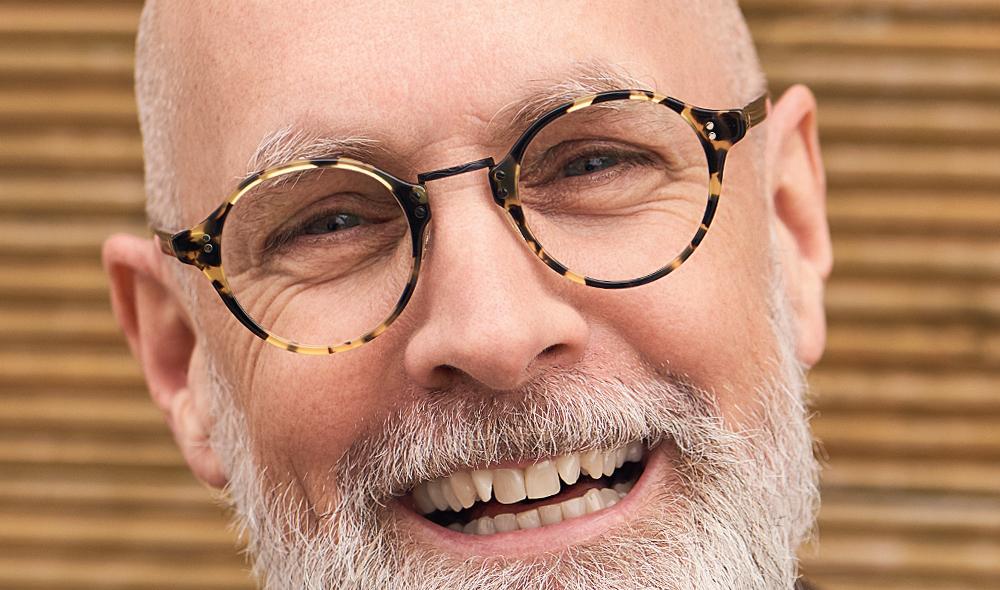 Oliver Peoples – Model Nicholas – Panto Brille aus Tortoise farbigen Acetat mit schwarzem Metallsteg - KITSCHENBERG Brillen