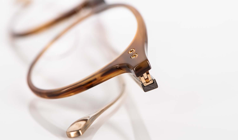 Dita – feine Acetat Pantobrille in hellem braun mit goldenen Bügeln - KITSCHENBERG Brillen