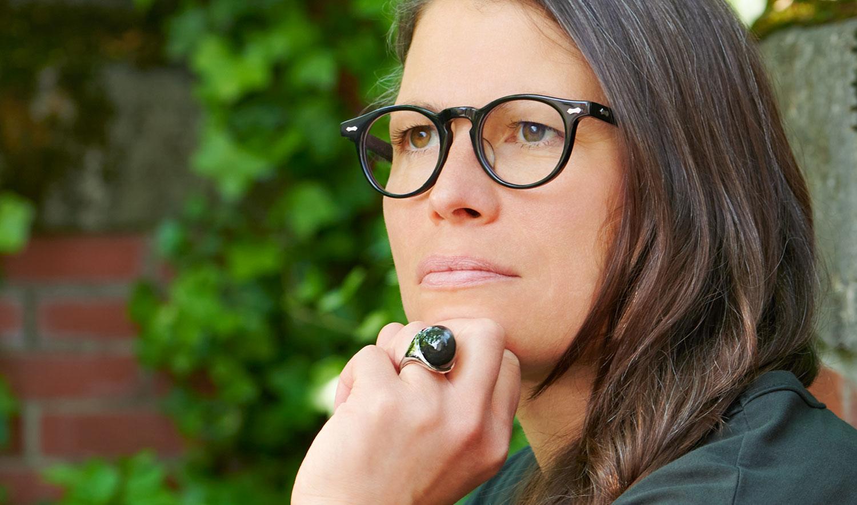 TVR – Model Steffi – schwarze handgemachte Acetat Brille aus Japan - KITSCHENBERG Brillen