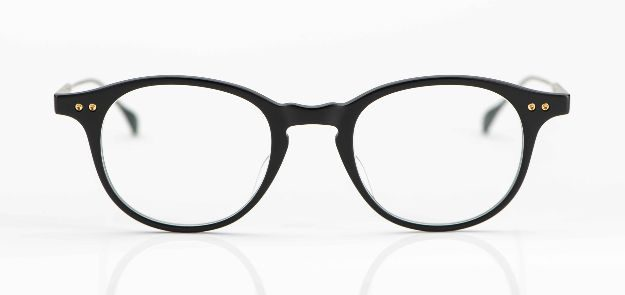 Dita - Pantobrille aus matt schwarzem Acetat mit Titanbügeln - KITSCHENBERG Brillen