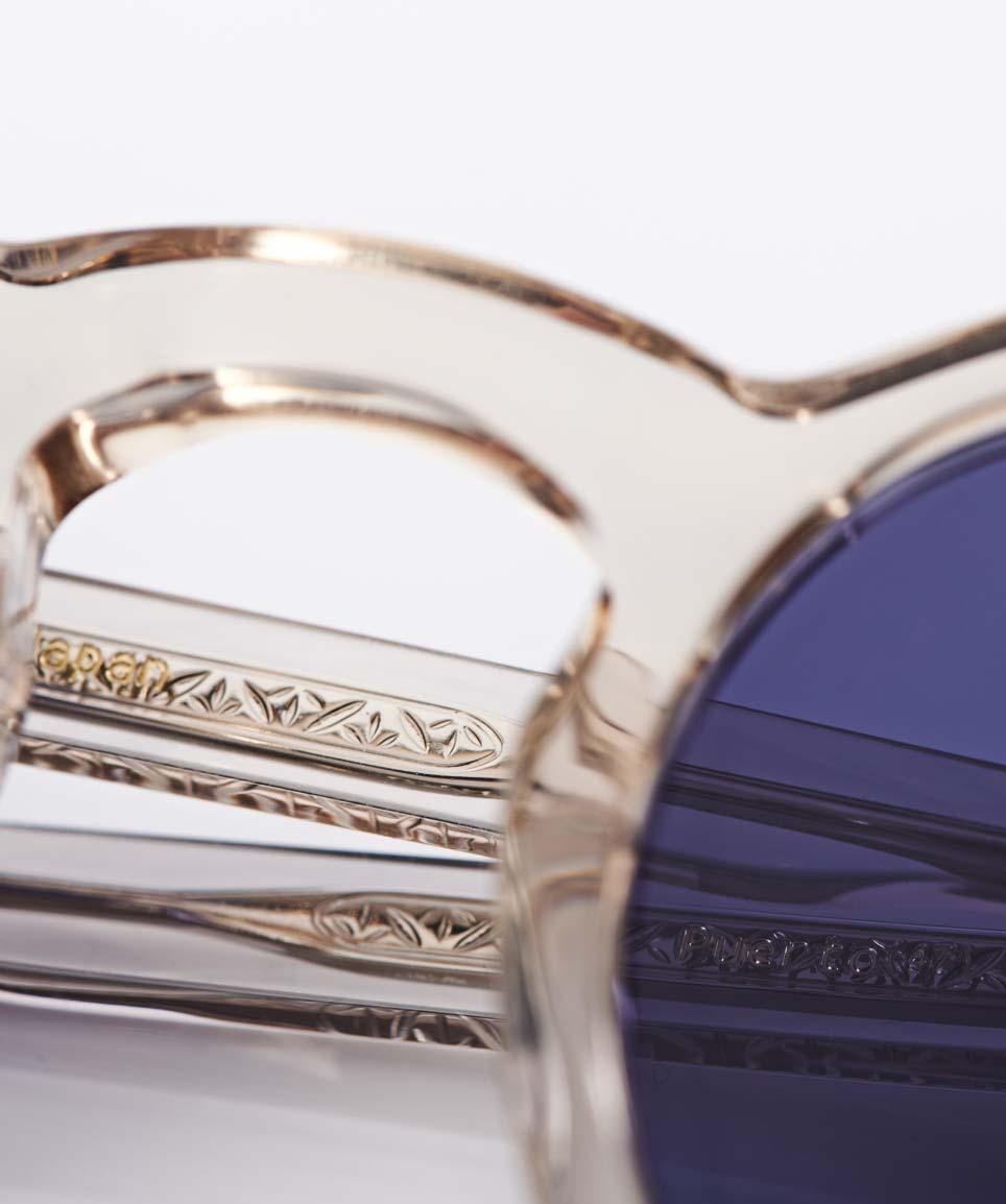 Eyevan – Transparente Panto Kunststoff Sonnenbrille mit navy blauen Gläsern – ziselierte Bügeleinlage - made in Japan – KITSCHENBERG Brillen