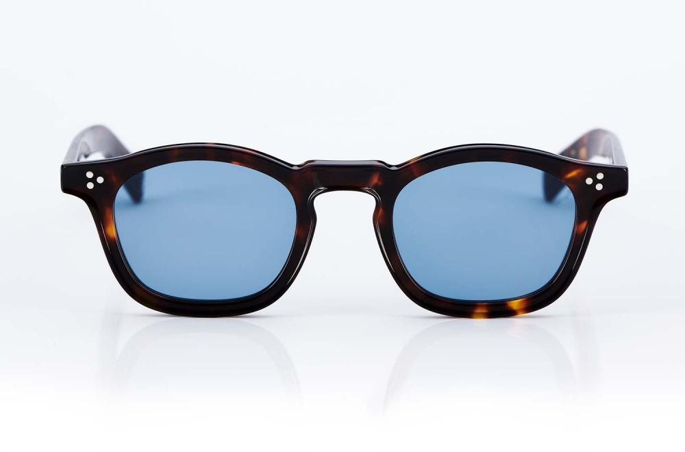 Eyevan – Kunststoff Sonnenbrille mit flat blauen Gläsern – tortiose farbiger Rahmen – Dreipunktniete - made in Japan – KITSCHENBERG Brillen