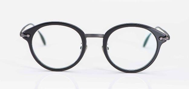Massada - schwarze, runde Brille aus Titan und Acetat Kombination - KITSCHENBERG Brillen