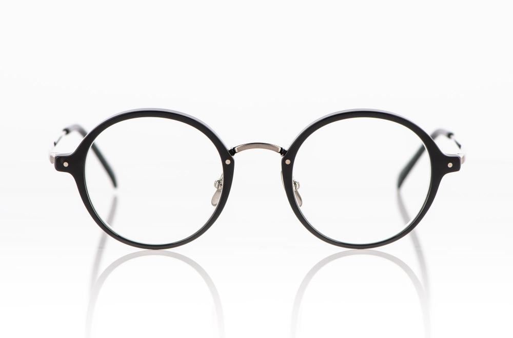 Yellows Plus – runde schwarze Acetat Fassung mit silber farbigem Titan Steg und Bügeln - KITSCHENBERG Brillen