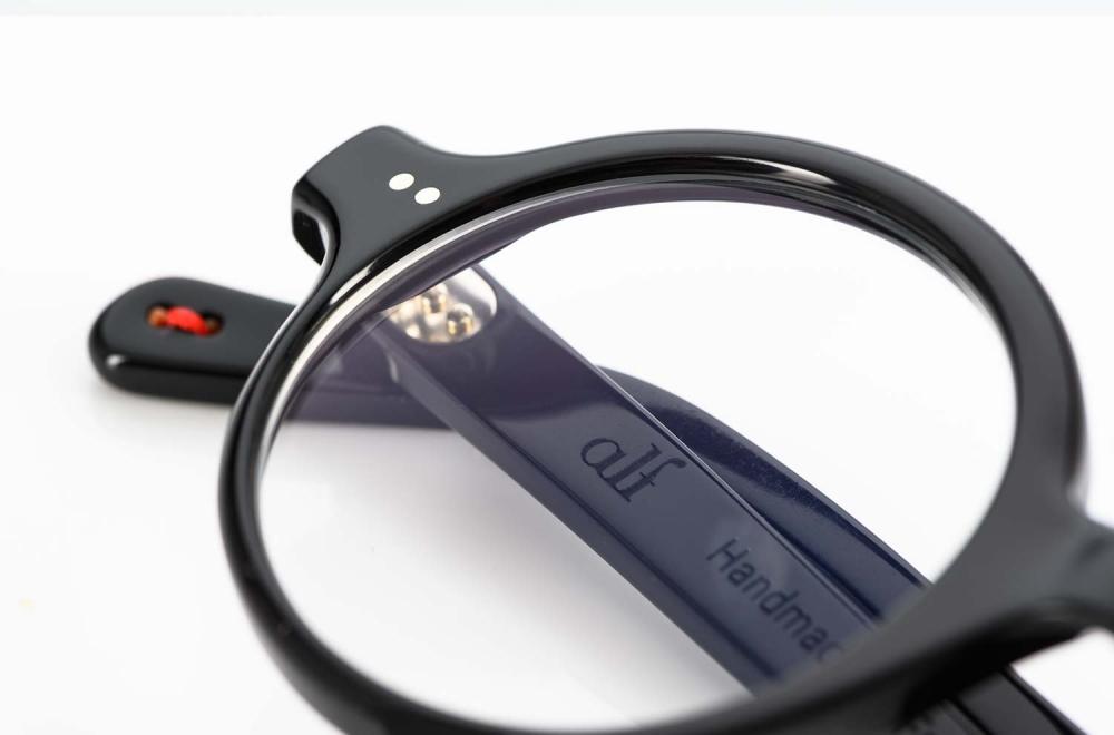 Alf - Runde schwarze Brille mir genieteten Gelenken - KITSCHENBERG Brillen