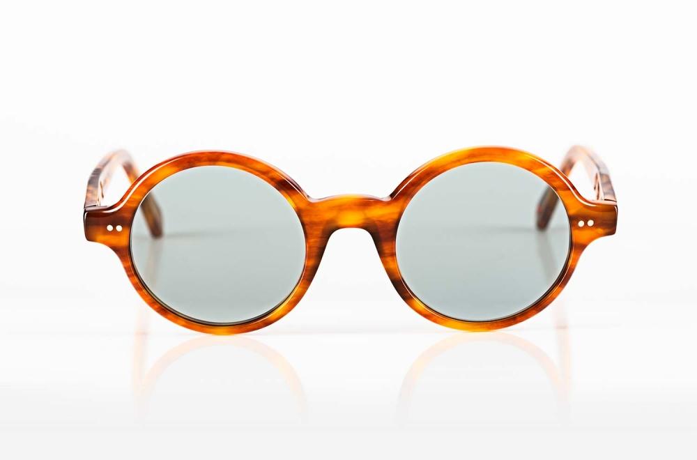 Alf – runde Acetat Sonnenbrille in hellem Bernstein mit blaugrauen Gläsern - KITSCHENBERG Brillen