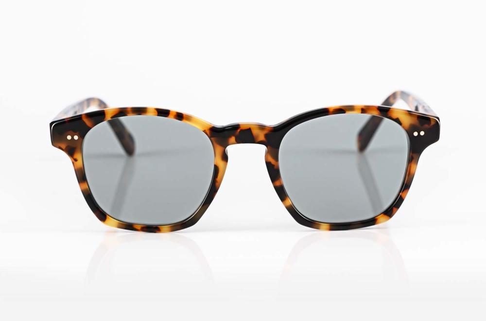 Alf – gesprenkelte Kunststoff Sonnenbrille mir blauen Gläsern - KITSCHENBERG Brillen