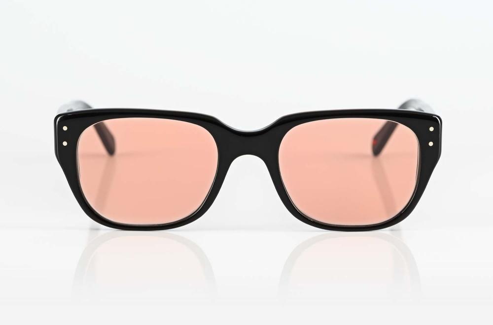 Alf – schwarze Kunststoff Sonnenbrille im 1960er Jahre Stil mit rose farbigem Glas - KITSCHENBERG Brillen