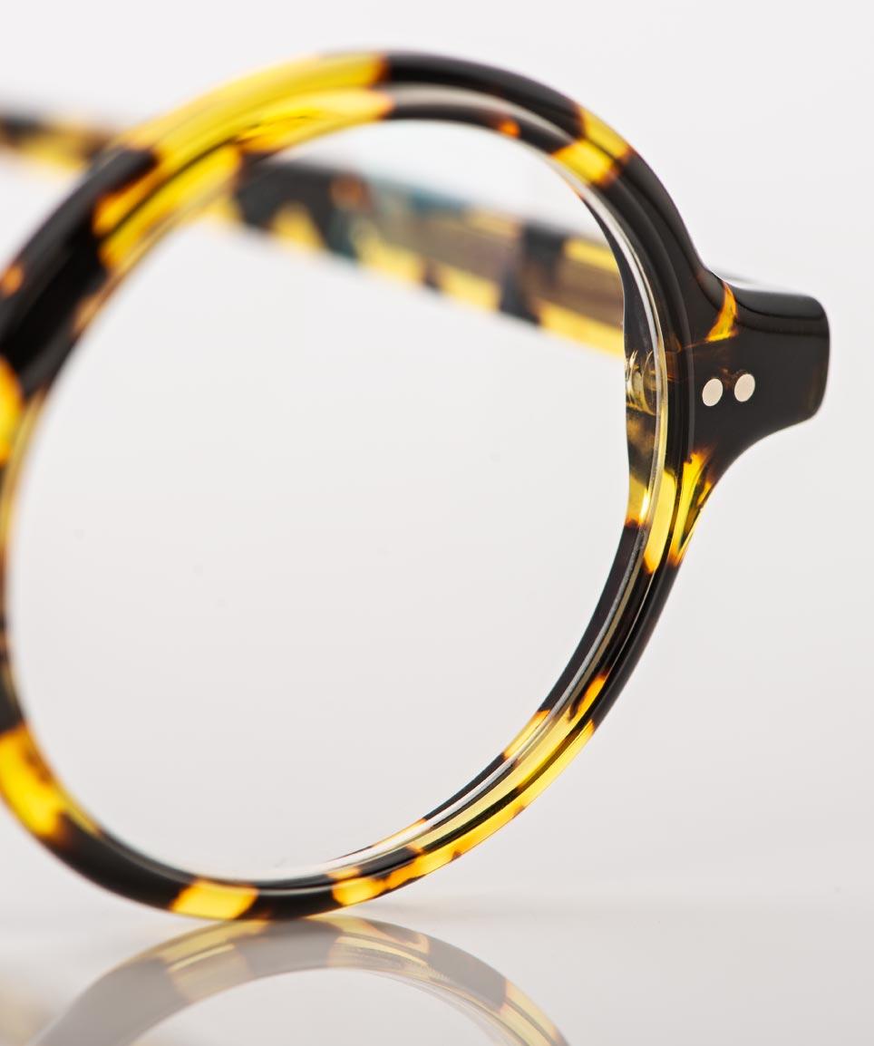 Alf – runde tortoise farbige Acetatbrille mit Nieten - KITSCHENBERG Brillen