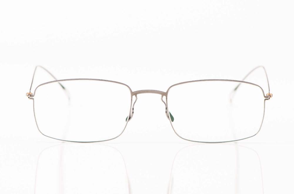 Haffmans & Neumeister – matt silberne eckige Flachmetall Brille – KITSCHENBERG Brillen