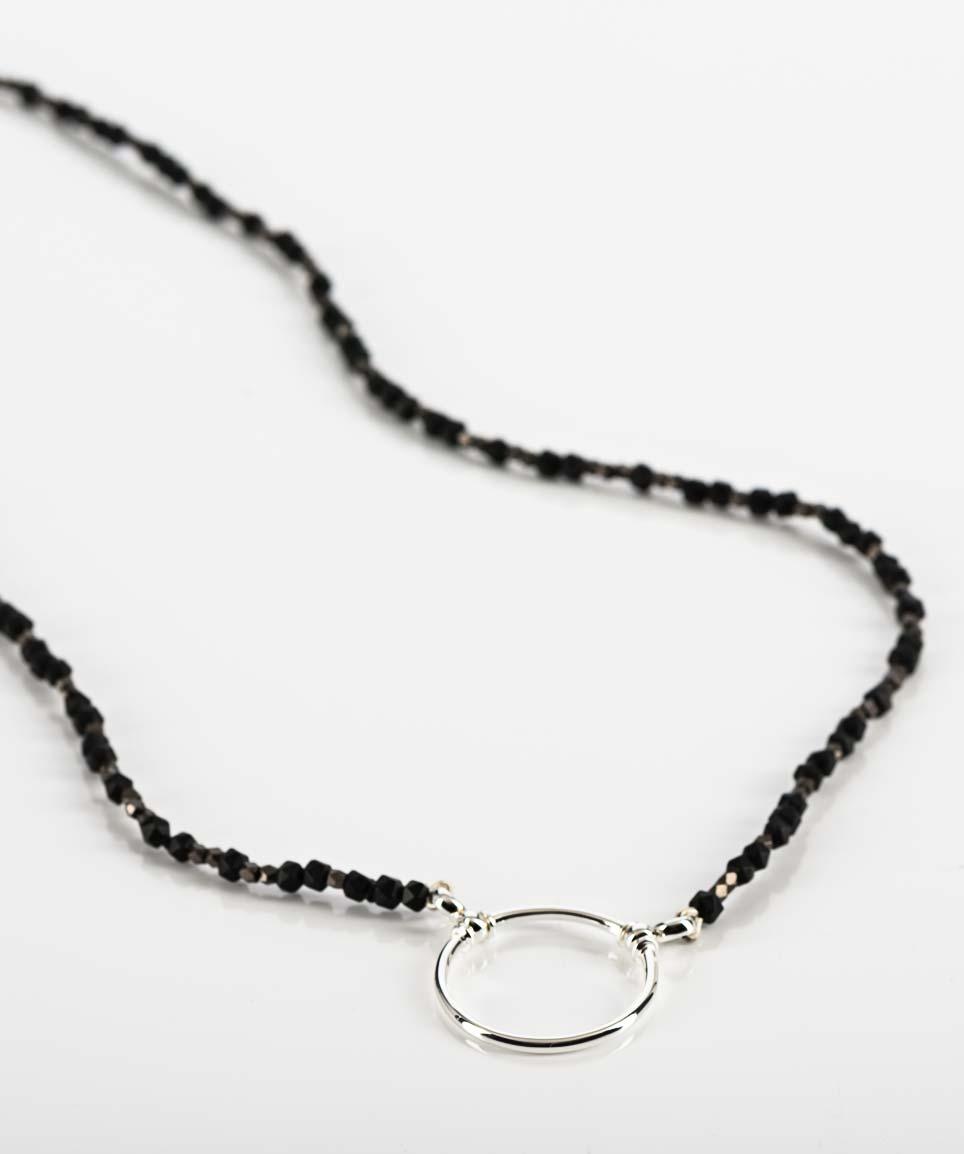 La Loop – schmuckhafte Kette für Brillen aus schwarzem Onyx mit Silberring - KITSCHENBERG Brillen