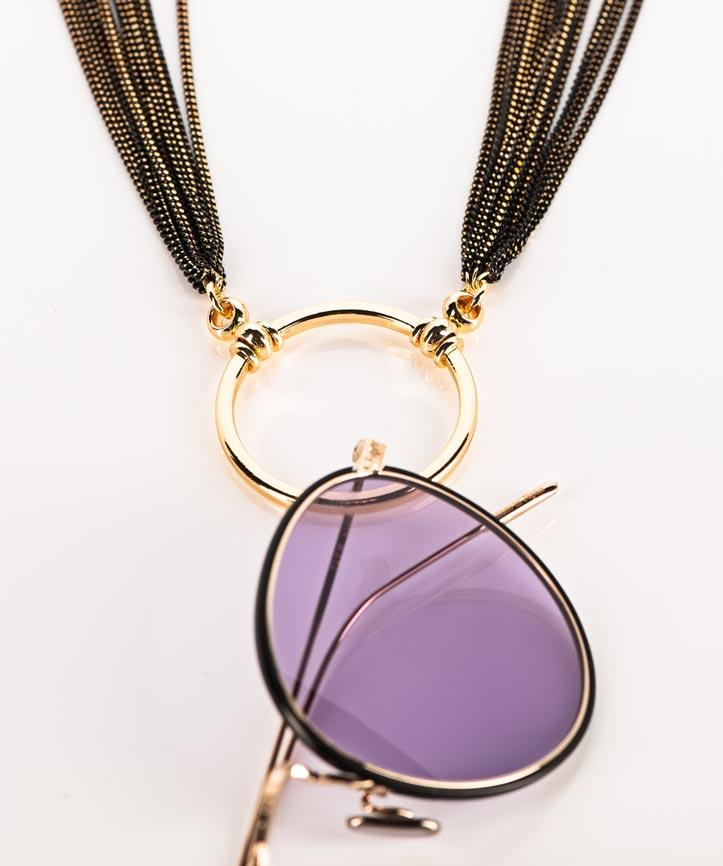 La Loop – Sonnenbrille mit lila Gläsern an einer Brillenkette mit goldenem Ring – KITSCHENBERG Brillen