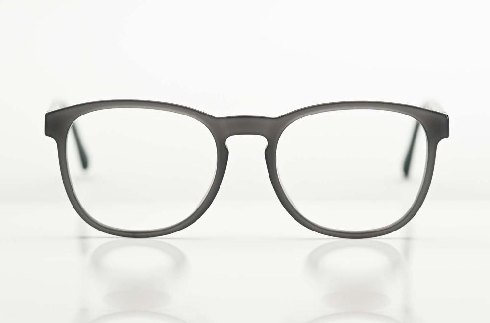 Mykita – graue Kunststoff Brille handgemacht in Deutschland - Berlin - KITSCHENBERG Brillen