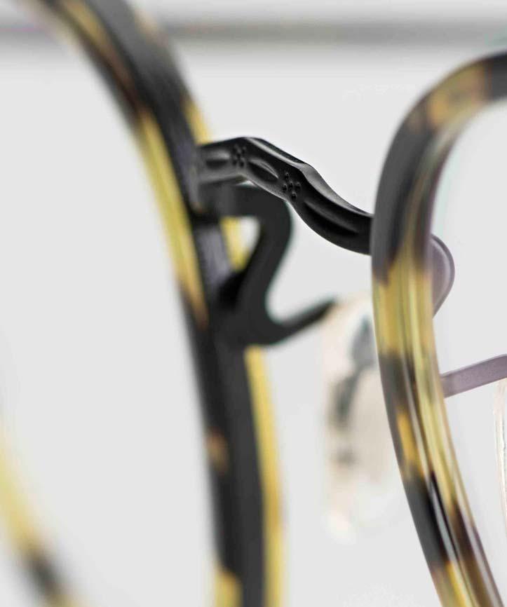 Oliver Peoples – schwarze Metall Panto Brille mit braun gesprenkeltem Zell Innenring - KITSCHENBERG Brillen