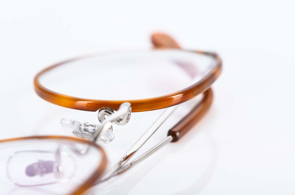 Savile Row – Brille aus rhodiniertem Golddouble mit honigfarbigem Windsorring gefertigt in London - KITSCHENBERG Brillen