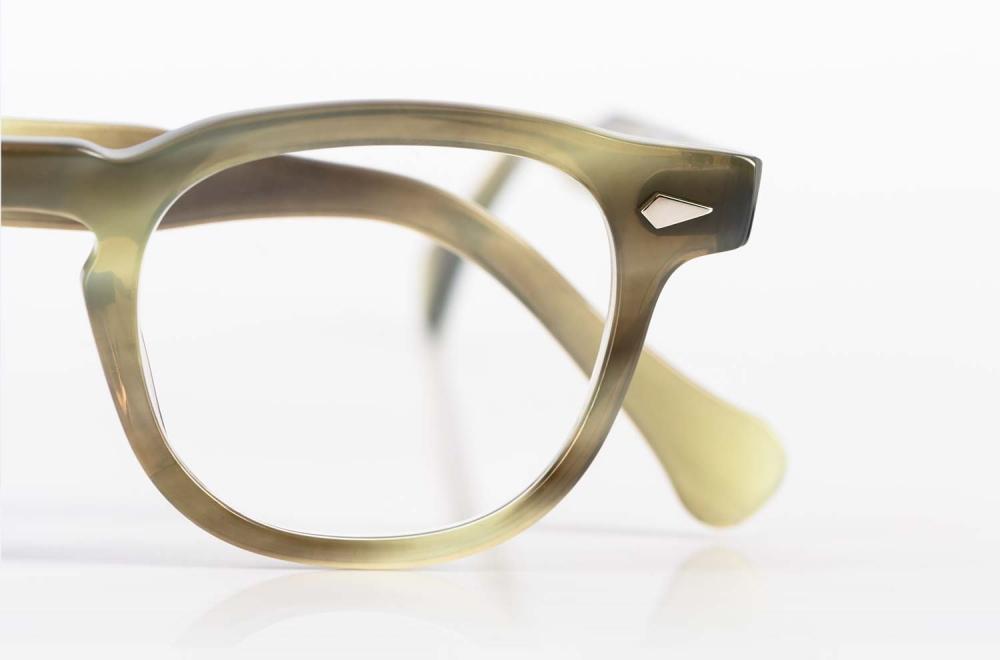 TVR – klassische Vintage Brille in büffelhornähnlicher Farbe handgefertigt in Japan - KITSCHENBERG Brillen