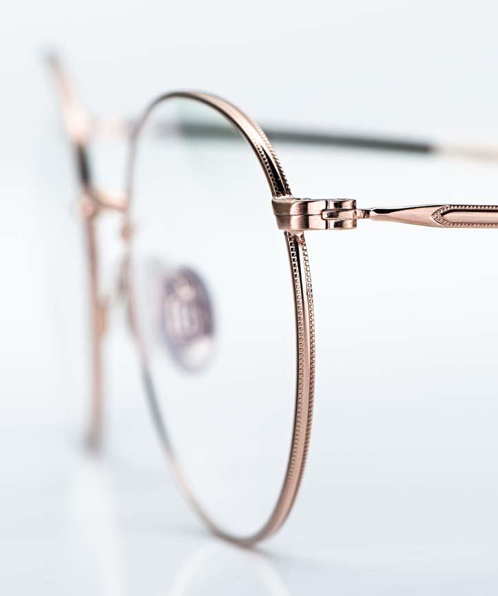Willems – runde Metallbrille in rose gold mit leichter Ziselierung am Bügel und Titan Stegen - KITSCHENBERG Brillen