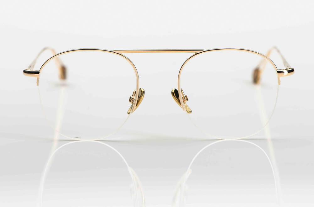 Ahlem – goldene Metallbrille mit obenliegendem Steg und unten offenen Gläsern - KITSCHENBERG Brillen