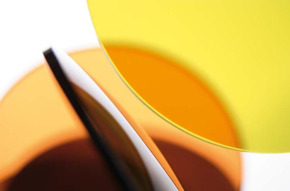 Gelbe und orangene Brillengläser – Essilor – KITSCHENBERG Brillen