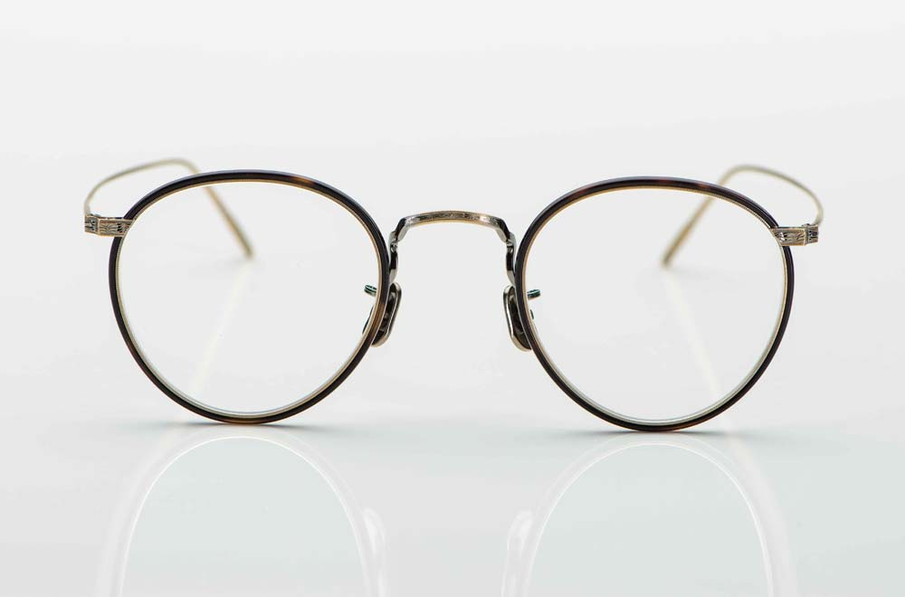 Eyevan – feine japanische Panto Brille mit feiner Ziselierung und dünnem braunem Acetat Windsorring - KITSCHENBERG Brillen