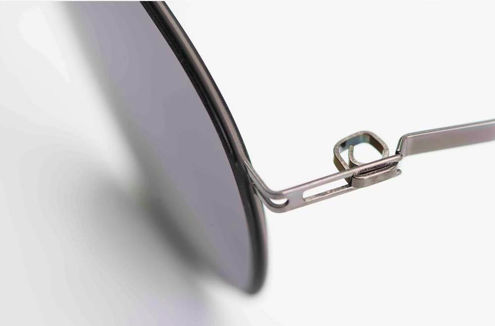 Mykita – Sonnenbrille – filigrane Edelstahlbrille mit einem gewickelten Gelenk - KITSCHENBERG Brillen
