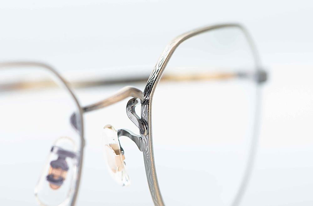Oliver Peoples – antik goldene Metall Panto mit Ziselierung am Rand - KITSCHENBERG Brillen