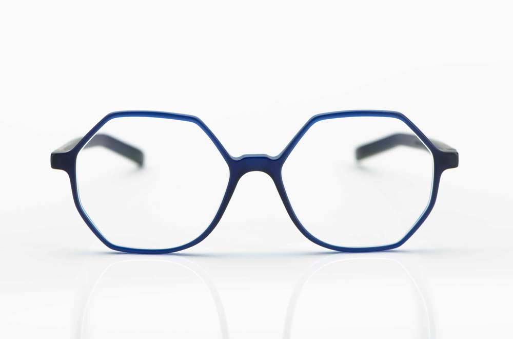 Oscar Magnuson – große achteckige Kunststoff Fassung in mattem dunkelblau - KITSCHENBERG Brillen