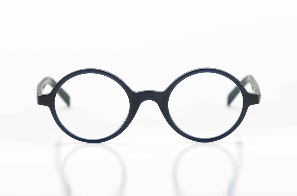 Oscar Magnuson – runde Acetat Brille in fast schwarzem matten dunkelblau - KITSCHENBERG Brillen