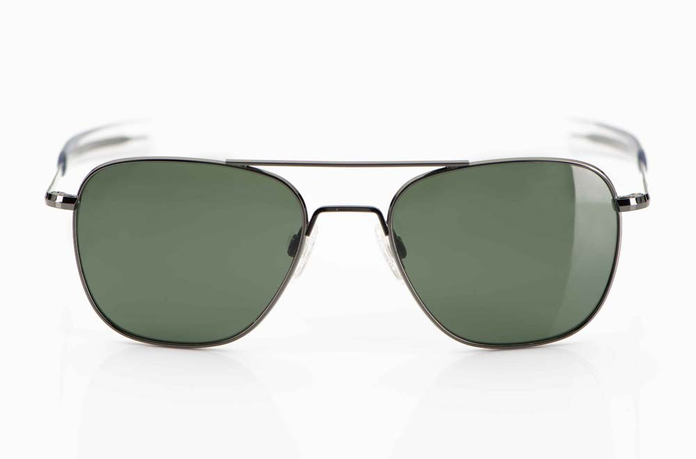 Randolph – Sonnenbrille – Original Aviator Pilotenbrille der US Airfoce aus gun farbigem Metall mit Bajonettbügel und grünen Gläsern – USA - KITSCHENBERG Brillen