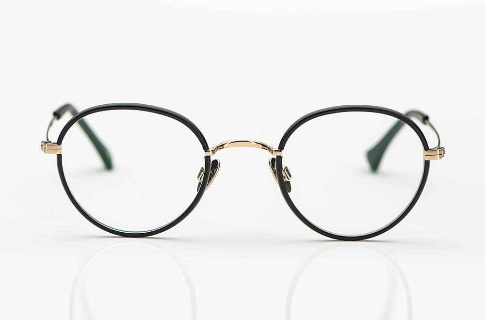 Willems –Pantobrille aus goldenem Metall mit matt schwarzem Acetatring und Titan Stegen - KITSCHENBERG Brillen