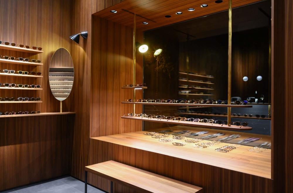 Kitschenberg – Geschäft Innenansicht Details von Schaufenster St.-Anna-Str. Lehel - KITSCHENBERG Brillen